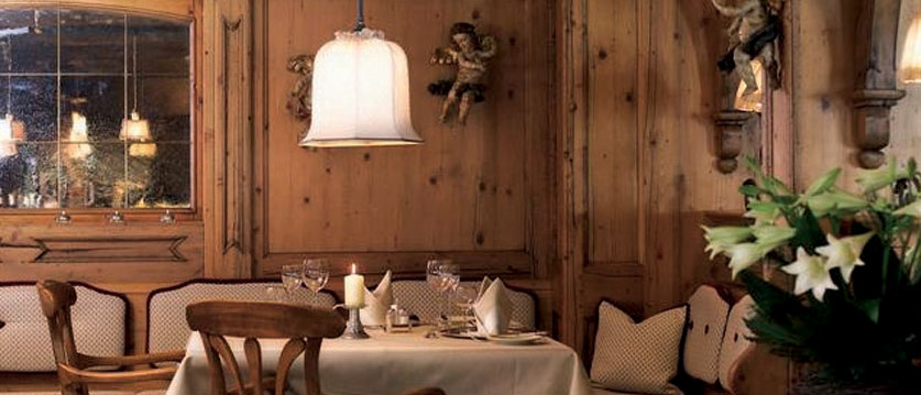 austria_arlberg-ski-area_lech_Hotel-Berghof_arlberg_table.jpg